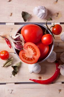 Free Tomato, Garlic And Pepper Royalty Free Stock Image - 18100486