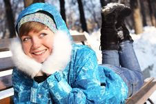Free The Girl Lays On A Bench. Winter Entertainments Stock Photo - 18101000