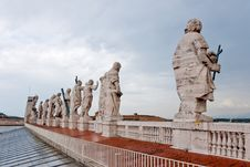 Free Statues At The St. Peter S Basilica Royalty Free Stock Photography - 18103287