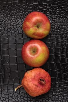 Free Three Red Apples Stock Photography - 18103352