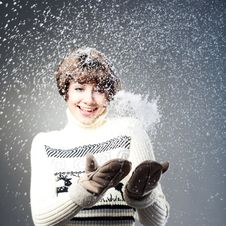 Free Young Beautiful Girl Rejoices To Snow Royalty Free Stock Photography - 18104757