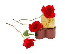 Free A Gift Box And Red Rose Stock Photography - 18109802