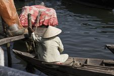 Free Vietnamese Woman In Boat Royalty Free Stock Photography - 18110427