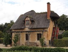 Free Marie Antoinette S Cottage At Versailles France Royalty Free Stock Photo - 18110575