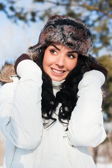 Free Beautiful Girl On A Walk In A Winter Park, Royalty Free Stock Photo - 18112165