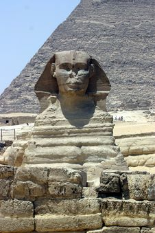 Free Sphinx And Pyramid Stock Photo - 18119890