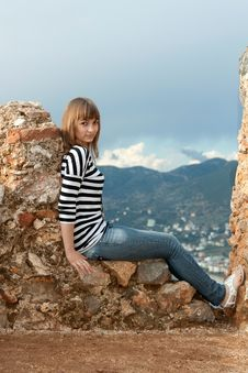 Free Girl On The Wall Stock Photography - 18119932