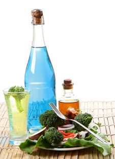 Free Salad And Drinks Royalty Free Stock Image - 18121886