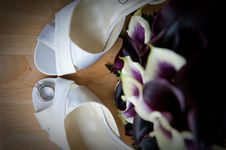Free Bride S High Heel Shoes And Rings Stock Photos - 18125953