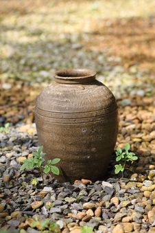 Free Thai Jar Royalty Free Stock Photos - 18127448