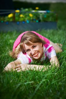 Free Joyful Young Woman On Grass Royalty Free Stock Photography - 18129937