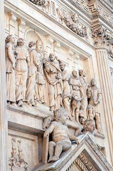 Free Sculptures In Prague Stock Images - 18131084
