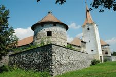 Free Fortified Church With Defense Wall. Racos, Romania Stock Photo - 18131820