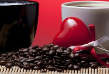 Free Coffee Cups, Heart And Beans Royalty Free Stock Image - 18141186