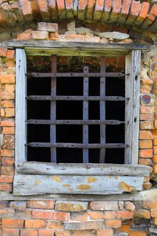 Free Old Window With Bars Royalty Free Stock Photography - 18150667
