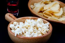 Free Tomato Chips, Pop Corn And Drink Royalty Free Stock Photos - 18156278