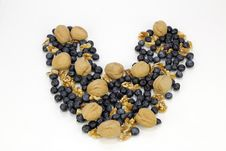 Free Blueberry Walnut Heart Royalty Free Stock Image - 18158036
