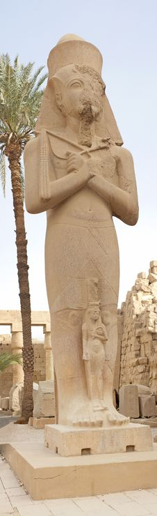 Free Statue In Temple Of Ramses 3rd At Karnak Royalty Free Stock Images - 18161019