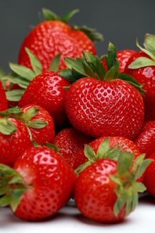 Free Fresh Strawberry Royalty Free Stock Images - 18162559