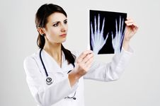 Free Doctor With X-ray Royalty Free Stock Image - 18165646