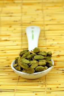 Free Green Cardamom Seeds Stock Photo - 18176340