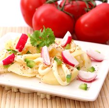 Free Fresh Salad Of Potatoes Stock Photography - 18179832