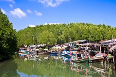 Free Fishing Boats In Koh Chang Thailand Royalty Free Stock Photos - 18180438