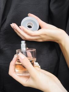 Free Female Hands With Perfume Bottle Royalty Free Stock Photography - 18180927