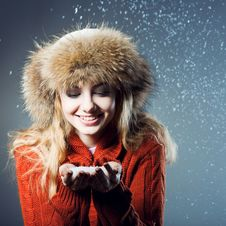 Free Young Beautiful Girl Rejoices To Snow Royalty Free Stock Images - 18183079
