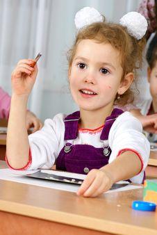 Free Preschooler Girl Royalty Free Stock Photos - 18183488