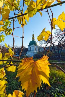 Free Autumn In The Kyiv-Pechersk Lavra Stock Images - 18183774
