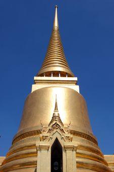 Free Golden Stupa Stock Photography - 18188082