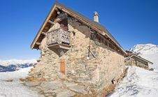 Free Traditional Alpine Hut On A Mountain Royalty Free Stock Photography - 18189427