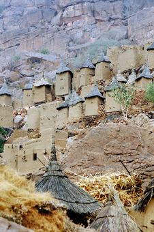 Free Dogon Granaries Along A Cliff Face Stock Image - 18189961