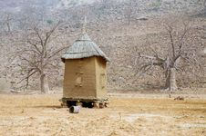Free Horizintal Image Of A Dogon Granary In Mali Royalty Free Stock Photo - 18190015