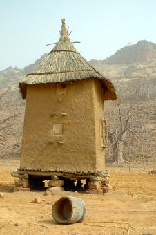 Free Vertical View Of A Dogon Granary Stock Photography - 18190052