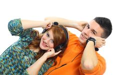 Free Young People Listen To Music Royalty Free Stock Photos - 18190158