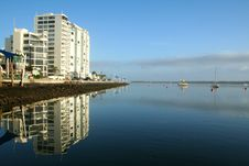 Free Apartment Tower By The Water Royalty Free Stock Image - 1827556