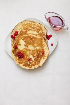 Free Tasty Pancakes With A Syrup Stock Photography - 18205812