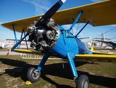 Free Classic Blue Biplane Royalty Free Stock Image - 18206096