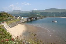 Free Bridge Over River Mawddach Royalty Free Stock Images - 18213949