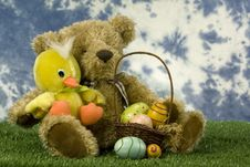 Free Easter Bear And Duck With Basket Of Eggs Royalty Free Stock Photography - 18214647