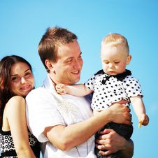 Free Happy Family In Sky Royalty Free Stock Images - 18220039