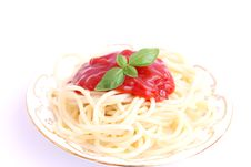 Free Spaghettis With Sauce Of Tomatoes Royalty Free Stock Photo - 18222665