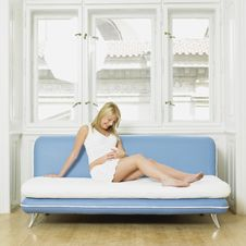 Free Pregnant Woman Stock Photos - 18223083