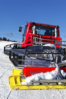 Free Red Snowplow Royalty Free Stock Image - 18225256