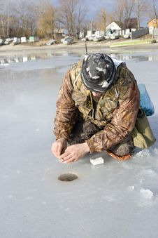 Free Fisherman. Ice Fishing Competition Royalty Free Stock Images - 18226019