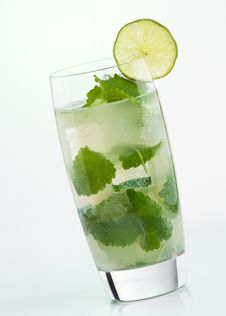 Free Mojito Cocktail Royalty Free Stock Photos - 18227328