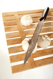 Free Garlic And Knife Royalty Free Stock Image - 18230226