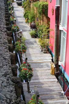 Free Houseboat Sidewalk Stock Images - 18230364
